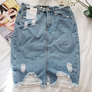 NWT Missguided Distressed Denim Skirt Size 4 US